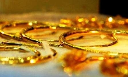 Giá vàng bất ngờ tăng mạnh nhất 10 tháng
