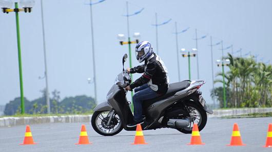 So sánh Honda SH 125i