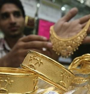 Ấn Độ tăng thuế nhập khẩu vàng lên 8%