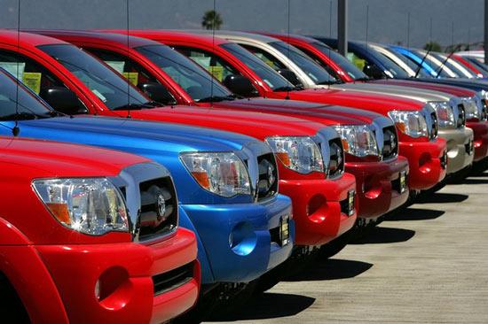 Đề xuất giảm thuế tiêu thụ đặc biệt và thuế trước bạ cho ô tô dưới 10 chỗ
