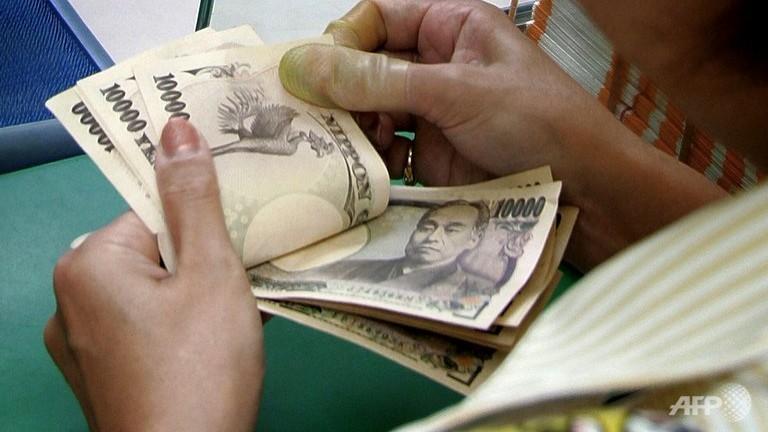 Đồng USD tăng mạnh trở lại so với yên