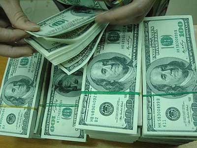 Đồng USD biến động mạnh so với đồng yên