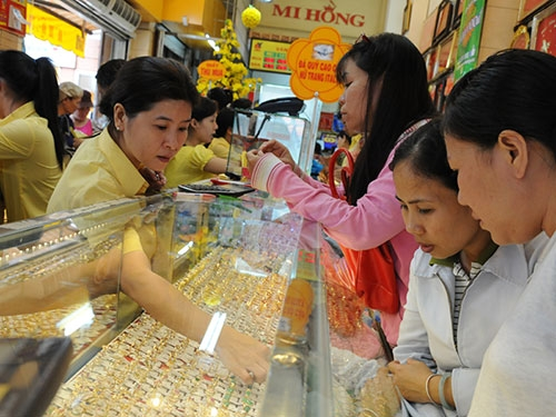 Giá vàng ngày 28/6/2013 giảm về sát 1200 USD/ounce