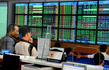 Cổ phiếu 2 sàn đồng loạt giảm khi thị trường thế giới hỗn loạn