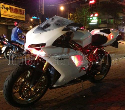 Ducati 848 Evo niềm kiêu hãnh giữa Sài Gòn