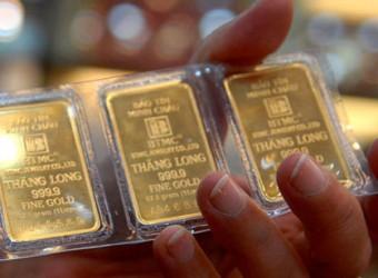 Chênh lệch giá vàng SJC và vàng thế giới nới rộng