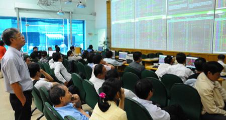 VN-Index tăng 2%, lên cao nhất 3 tuần