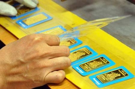 Đấu thầu vàng: Càng bán càng lãi càng lo