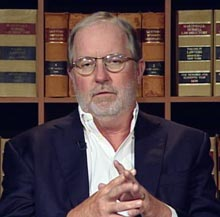 Dennis Gartman : Điều gì liên hệ mật thiết tới vàng hơn Fed?