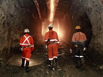 mỏ vàng Nam phi, Gold fiels sa thải công nhân