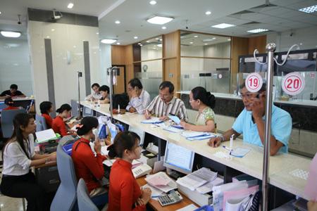 Ngân hàng TMCP giảm mạnh lãi suất huy động VND