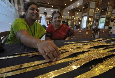 """Vàng vẫn là mặt hàng """"hot"""" tại Ấn Độ?"""