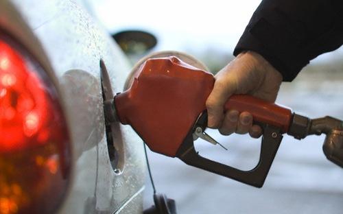 Giá dầu tăng cao sau đàm phán Iran thất bại