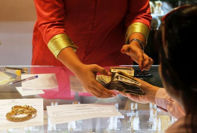 Vàng Ấn Độ cao hơn 125 USD/oz so với giá vàng hiện tại ở London