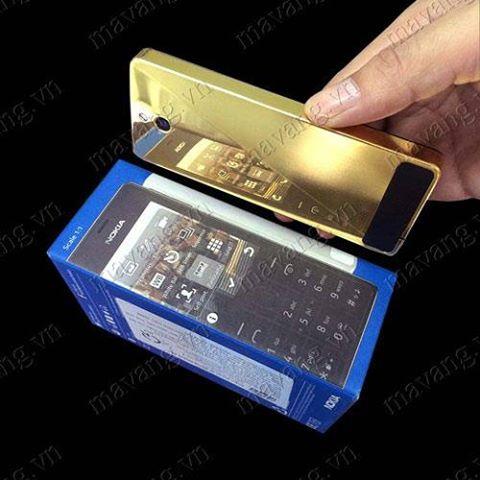 Nokia 515 mạ vàng 1 mặt bóng tráng gương và 1 mặt mạ thường