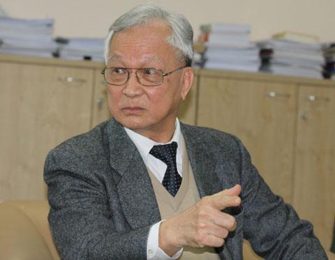 Ông Bùi Kiến Thành, chuyên gia kinh tế Bui Kien Thanh