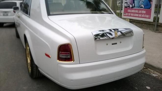 Royal Gold giới thiệu với các bạn một mẫu Rolls-Royce Phantom