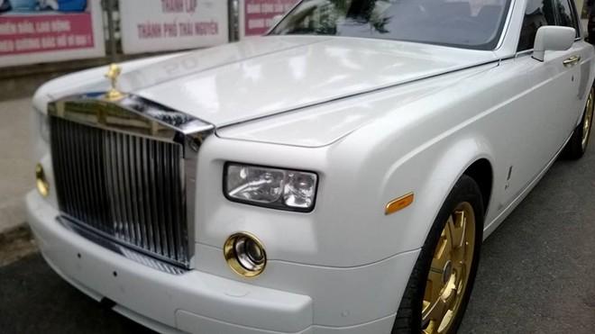 Rolls-Royce Phantom mạ vàng 24K