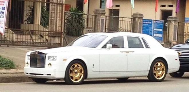 Chi phí để mạ vàng 24K và chủ nhân của chiếc xe được giữ kín và không được công bố