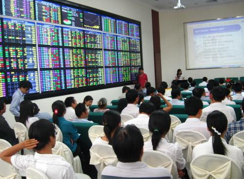 """Nhận định thị trường chứng khoán ngày 12/12/2013: """"Khống chế mua vừa phải"""""""