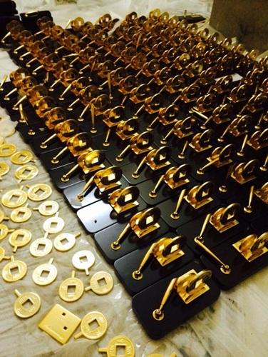Quà tặng tết mạ vàng 24K xu hướng của năm 2014 |Các loại QUA BIEU năm nay