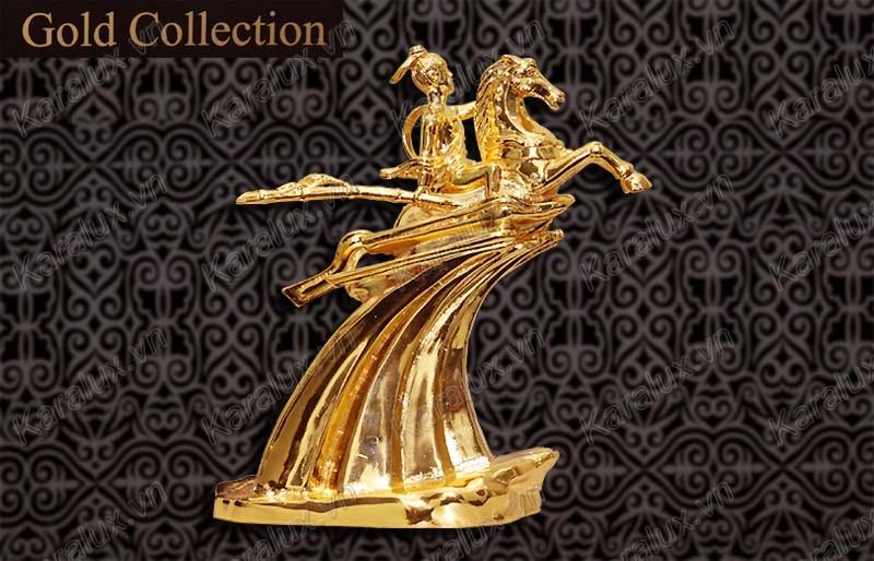 tượng thánh gióng, mạ vàng 24k. tuong thanh giong ma vang