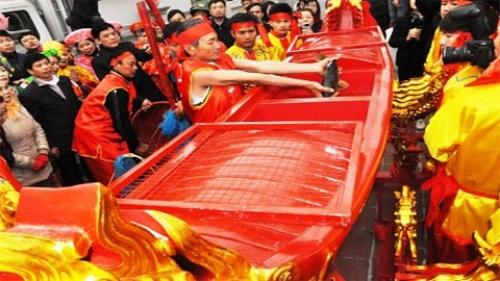 Lễ hội khai ấn tại Đền Trần Nam Định 2014 và ý nghĩa lễ rước nước, tế cá