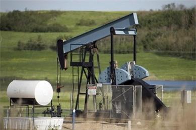 Giá dầu Brent thấp nhất 4 năm do dư cung