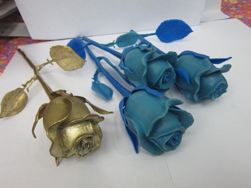 Các mẫu sáp nến được tạo ra trước khi tiến hành đúc