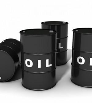 Giá dầu giảm khi USD đi lên gây áp lực lên hàng hóa