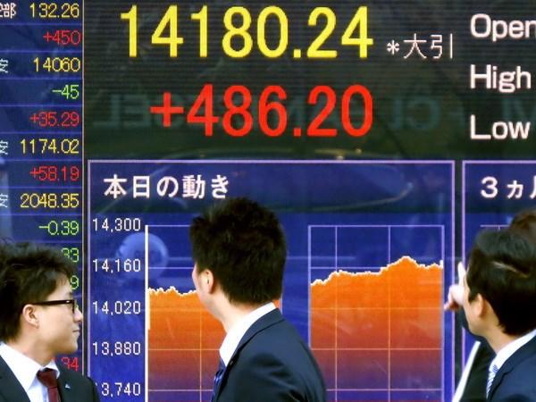 Chứng khoán châu Á giảm điểm sau biên bản cuộc họp của Fed