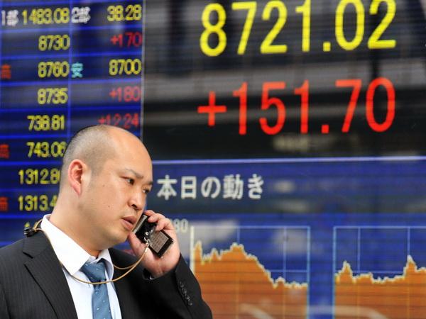 Chứng khoán châu Á giảm điểm lo ngại dữ liệu kinh tế Trung Quốc