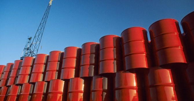 Giá dầu giảm sau số liệu việc làm tại Mỹ