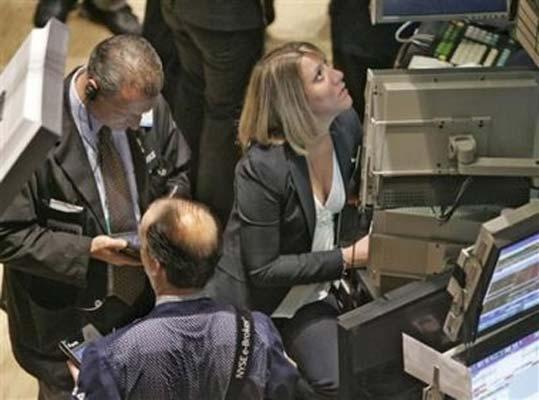 Chứng khoán châu Âu giảm điểm chờ biên bản cuộc học của Fed, BOE