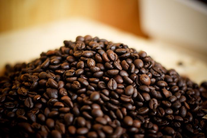 Giá cà phê của Việt Nam tiếp tục giảm trước kỳ vọng về mùa 2014 - 2015 bội thu