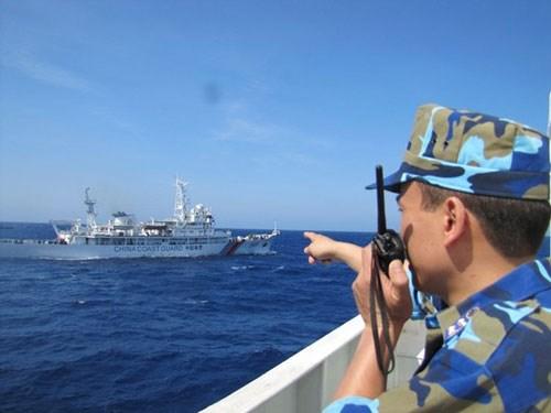 Giàn khoan, tàu quân sự, tàu bán quân sự trở thành vũ khí lợi hại để Trung Quốc tung hoành, bành trướng trên Biển Đông, bất chấp luật pháp và dư luận quốc tế.