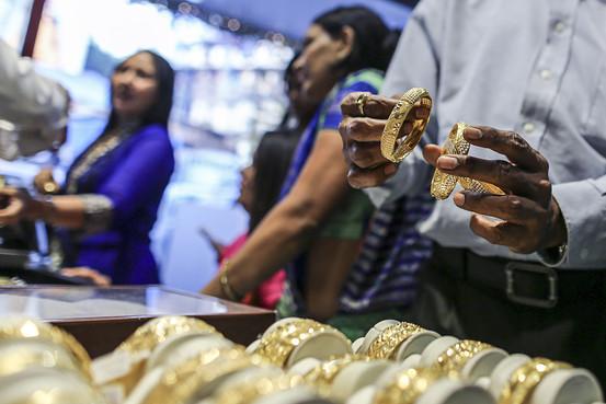 Tại sao người Ấn Độ ngày càng yêu vàng?