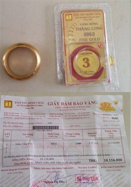 Nhẫn vàng và giấy bảo đảm vàng của chị Giang khi mua vàng tại Bảo Tín Minh Châu