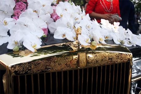 Rolls-Royce mạ vàng trong đám cưới siêu sang ở Hà Nội