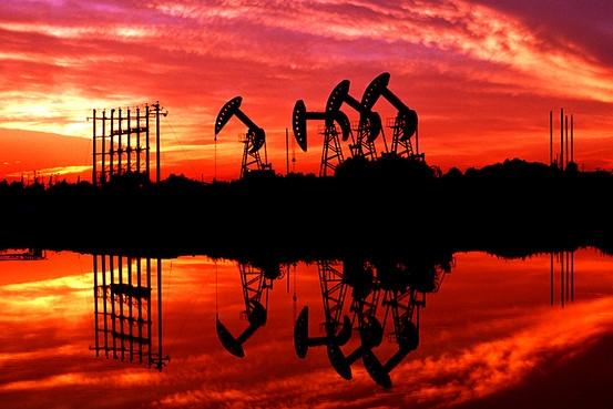 Giá dầu thấp nhất 4 năm sau bình luận của Bộ trưởng Dầu mỏ Arab Saudi
