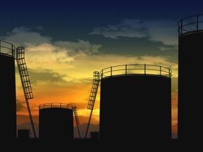 Giá dầu có thể lại giảm vào cuối năm nay do dư cung