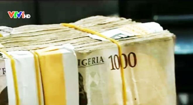 Người dân Nigeria không được giữ ngoại tệ quá 2 ngày