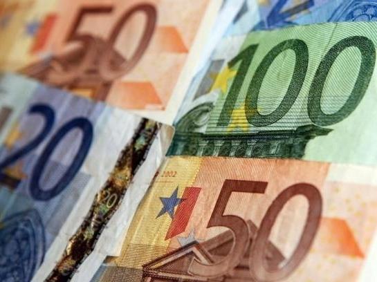 Euro xuống thấp nhất 9 năm do lo ngại về chính trị Hy Lạp