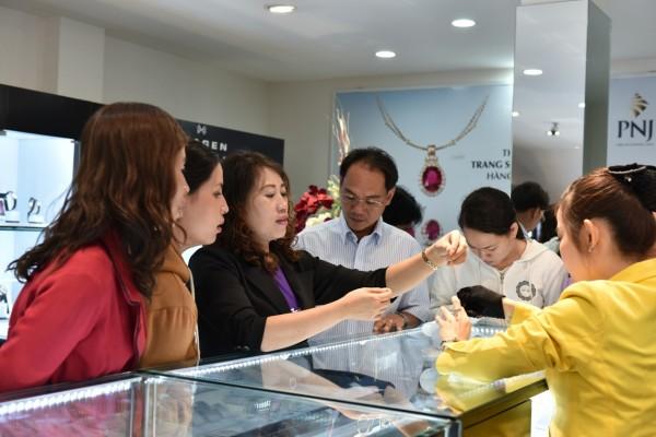Giá vàng SJC tại PNJ ngày 02/12/2015 | Gia vang sang nay tai HCM va Da Nang