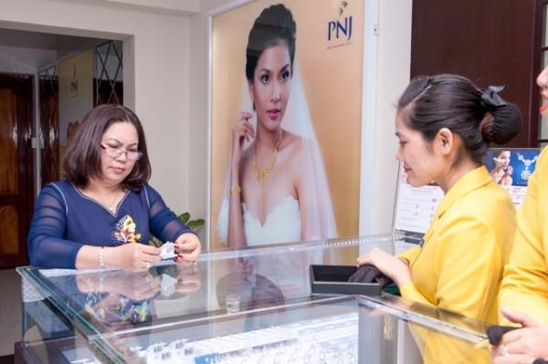 Giá vàng SJC tại PNJ ngày 20/7/2015
