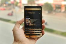 BlackBerry Porsche Design P'9983 mạ vàng 24K có giá 50 triệu tại Việt Nam