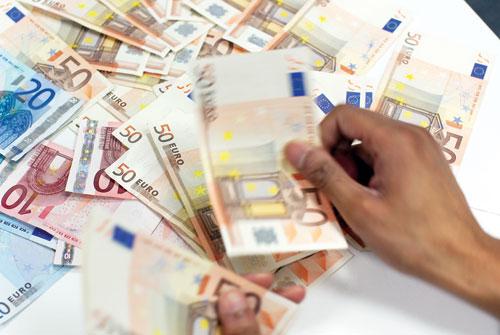 Đồng euro tăng trước cuộc họp của ECB
