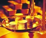 Vàng dao động gần ngưỡng 1.230 USD do nhu cầu mua vàng dữ trữ tăng khi chứng khoán rớt giá